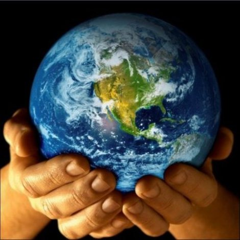 20101113001922-planeta-manos